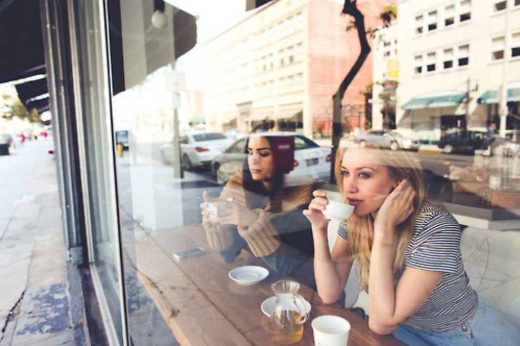 coffee-shop-window.jpg-1050x700